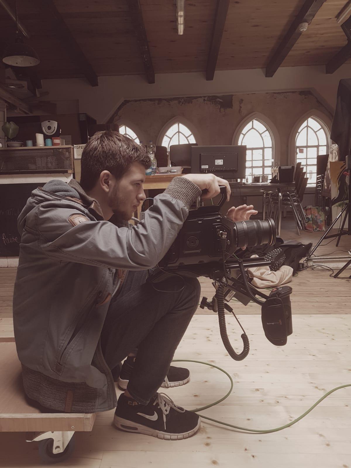 Filmemacher Bertram Bollow bei der Arbeit