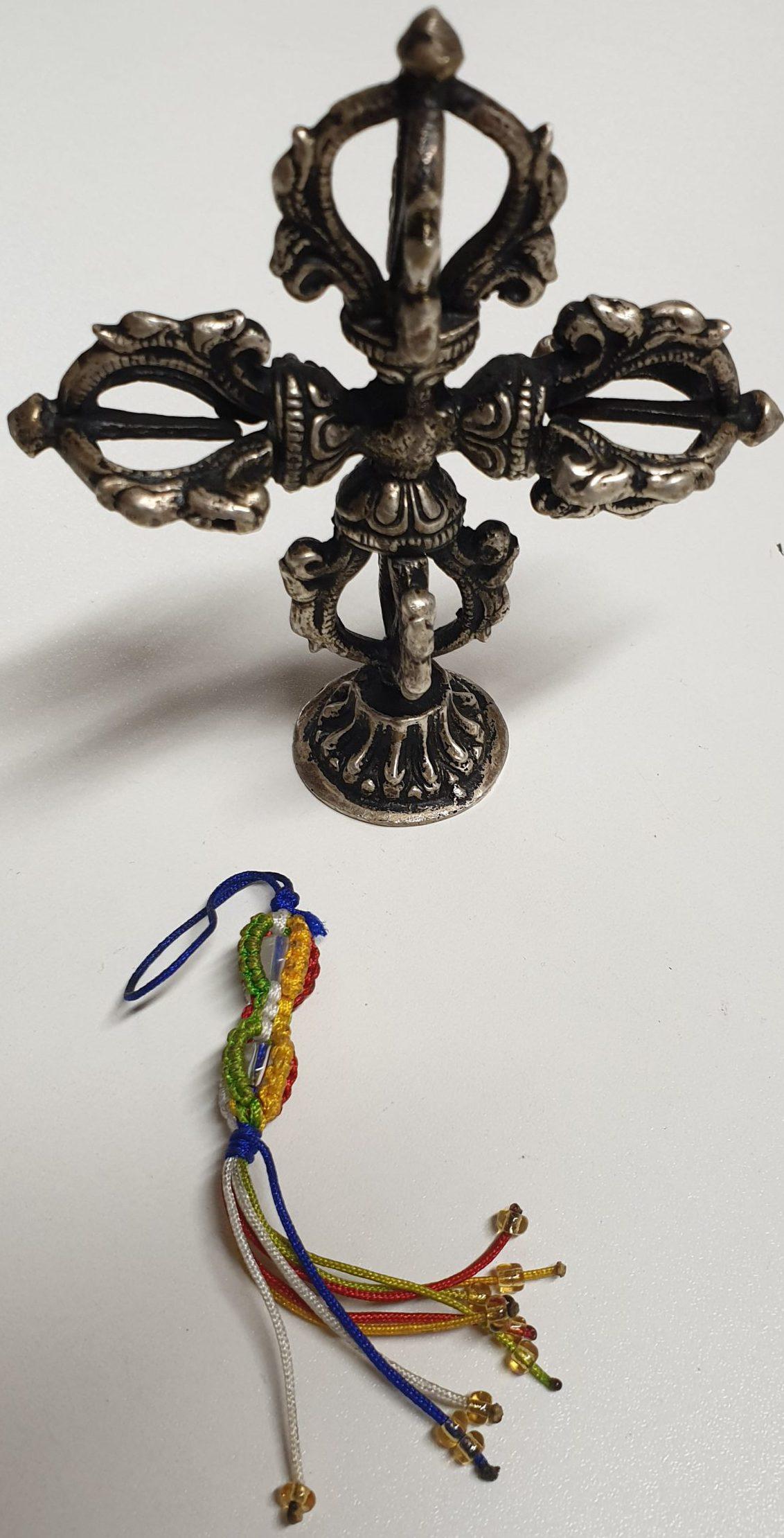 Doppel-Dorje und Dorje geflochten